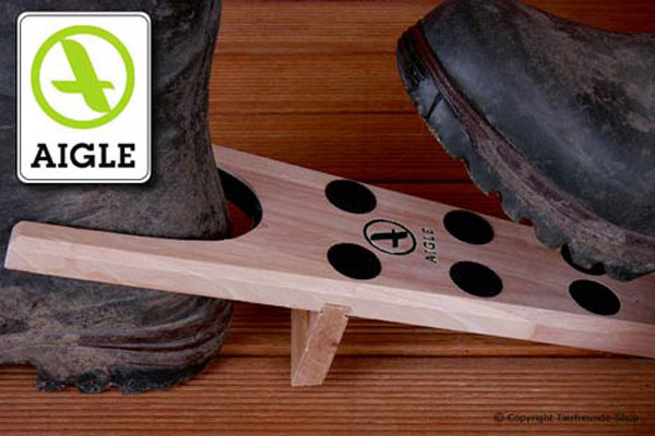 Wooden Boot Jack Aigle
